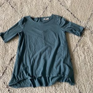 Madewell blue t-shirt with zipper back